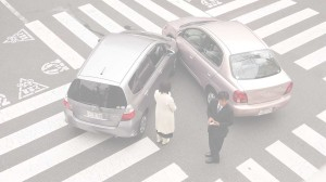 ccommons-Shuets-Udono-Japanese_car_accident-pale